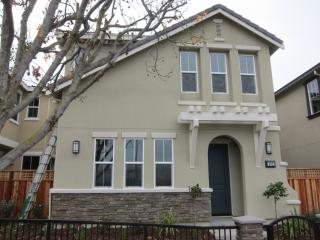 2485 Pulgas Ave #6, East Palo Alto, CA 94303