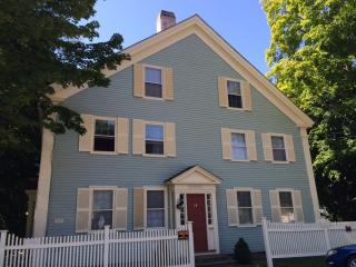 73 Main St #1, Newcastle, ME 04553