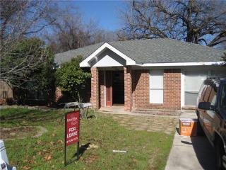 8318 Delmar St, White Settlement, TX 76108