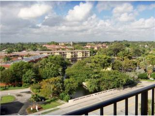 South Middle River, Fort Lauderdale, FL 33311