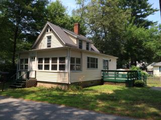 24 Lakeview Ave, Tewksbury, MA 01876