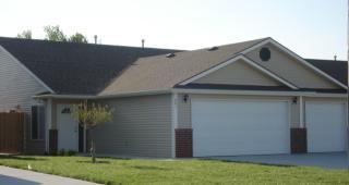 940 N Redbud Ct, Valley Center, KS 67147
