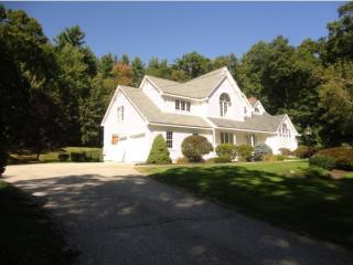 100 Beverly Drive, Hampstead NH