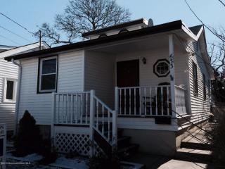 633 Redmond Ave, Lake Como, NJ 07719