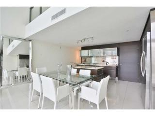 6000 Collins Ave #508, Miami Beach, FL 33140