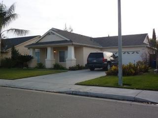 1447 Avenue E, Kingsburg, CA 93631