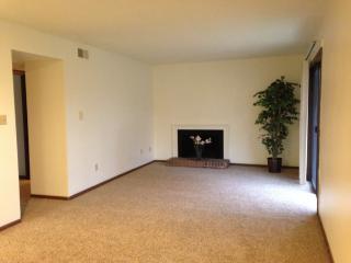 5805 W Ridgecrest Dr, Peoria, IL 61615
