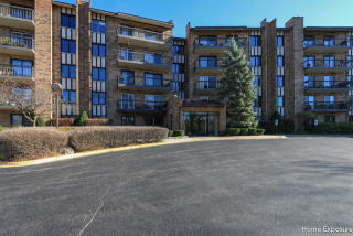 501 Lake Hinsdale Drive #307, Willowbrook IL