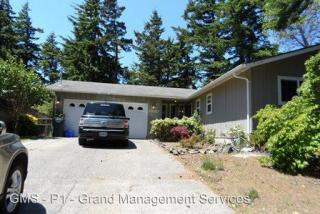 1930 Ash St, North Bend, OR 97459
