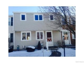 8 Queens Guard Walk, Tonawanda, NY 14150