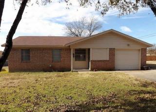 209 N King St, Henrietta, TX 76365