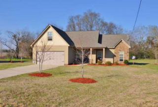 3 Churchhill Dr, Fort Mitchell, AL 36856