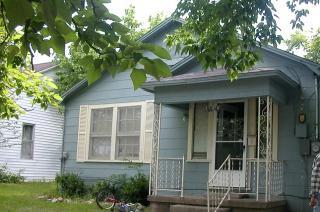 1104 S Columbia St, Clarksville, TX 75426