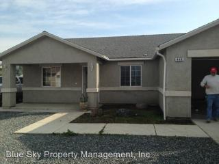 448 W Mulberry Ave, Porterville, CA 93257