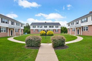 892 Woodcrest Dr, Dover, DE 19904