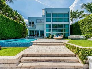 227 E Dilido Dr, Miami Beach, FL 33139