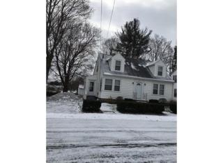 16 Arkwright Road, Webster MA