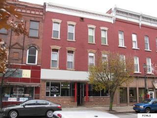 37 W Main St, Johnstown, NY 12095