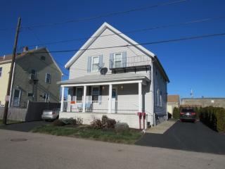 9 Winsor St, East Providence, RI 02914