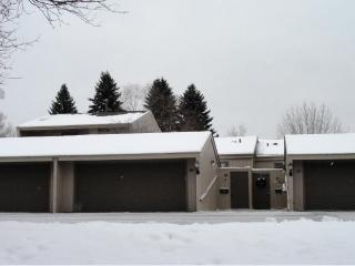 570 Woodhill Drive #58, Roseville MN