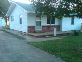 904 N Main St, Dyer, TN 38330