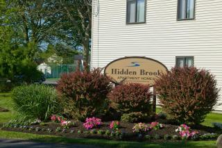 42 W Hill Rd, New Bedford, MA 02740