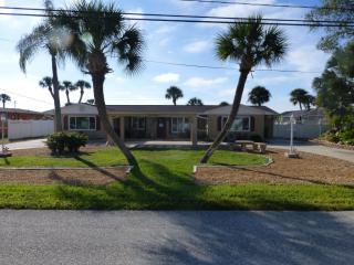 1424 Lemon Bay Dr, Englewood, FL 34223