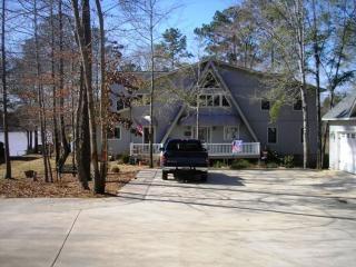 202 Old Plantation Trl NW, Milledgeville, GA 31061