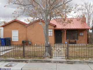 4520 Jupiter St NW, Albuquerque, NM 87107