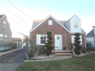 24 S Louis Street, Fords NJ