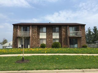 1153 Country Ln, Holland, MI 49423