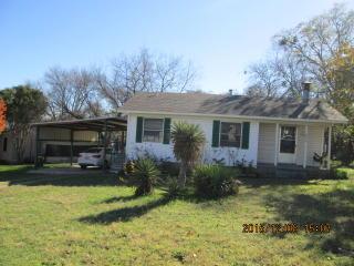 1466 Westwick Dr, River Oaks, TX 76114