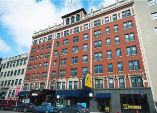 424 W Diversey Pkwy, Chicago, IL 60614