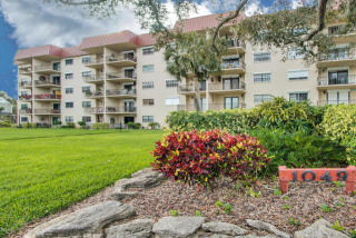 1049 Rockledge Drive #102, Rockledge FL