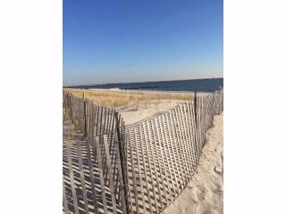 81 Freeport Ave, Point Lookout, NY 11569