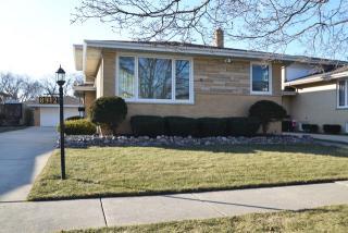 8912 South Richmond Avenue, Evergreen Park IL