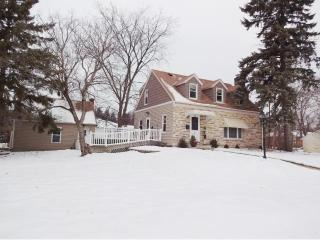 1877 Asbury Street, Falcon Heights MN