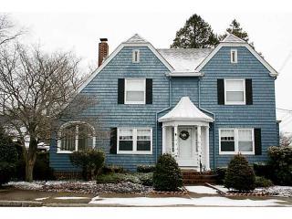 119 Oak Hill Ave, Pawtucket, RI 02860