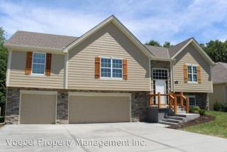 1501 Regency Dr, Kearney, MO 64060