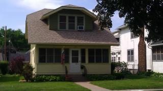 868 Wheelock Pkwy E, Saint Paul, MN 55106