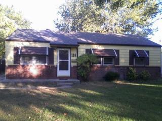 124 S Sunnyside Rd, Haysville, KS 67060