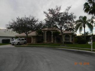 108 Silver Bell Cres, Royal Palm Beach, FL 33411