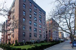 707 Beach 9th St, Queens, NY 11691