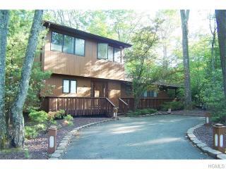 89 Scarborough Cir, Rock Hill, NY 12775