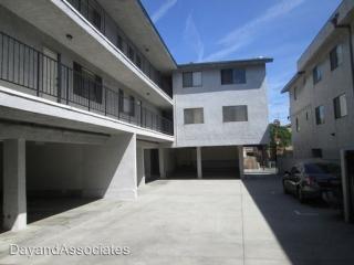 4452 W 134th St, Hawthorne, CA 90250