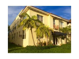 119 Menores Avenue #7, Coral Gables FL