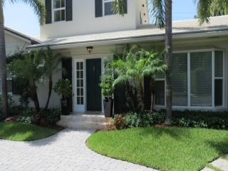 286 Orange Grove Rd, Palm Beach, FL 33480