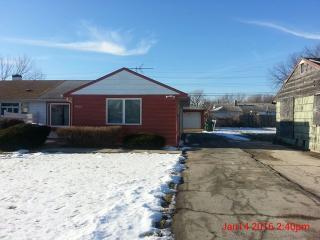 14006 S Grace Ave, Robbins, IL 60472