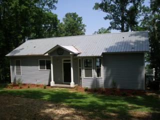 435 Lakeshore Dr, Bainbridge, GA 39819