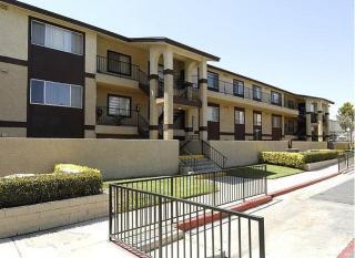 8655 Arlington Ave, Riverside, CA 92503